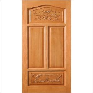 Medinės durys būstui