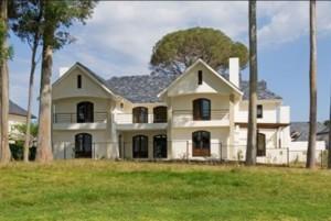 Medinės konstrukcijos namas
